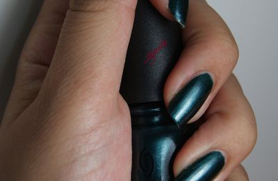 China Glaze: Emerald Fitzgerald
