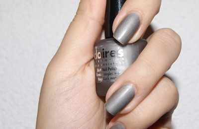 Claire's: Gris version matte