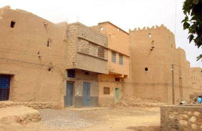 Les Ksour et les nouveaux centre urbains au Tafilalt: un sérieux conflit d'identité et d'intérêt