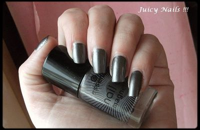 Essence: 02 Hex hex. Collection Nail art Magnétics