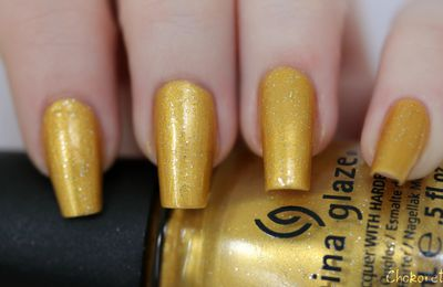 China Glaze - Champagne Bubbles