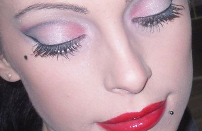 Make-Up Pin-Up Glamour