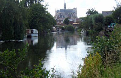 80 - Somme : Amiens ses hortillonnages et sa cathédrale