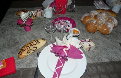 table fuschia chocolat pour communion