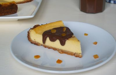 Cheesecake orange/amandes et sa sauce chocolat