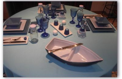 Table bleue...............