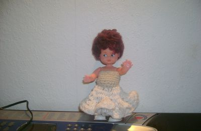 Robe pour petite poupée