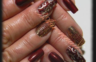 Nail art reptile ( stamping et stickers 3d L'Oreal)