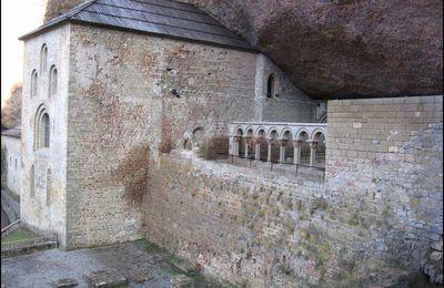 Monastere de San Juan de la Pena et ville d'Uncastillo (Aragon)