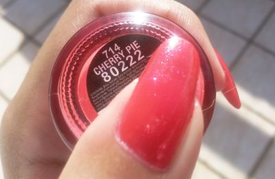 Swatch China Glaze - Cherry Pie