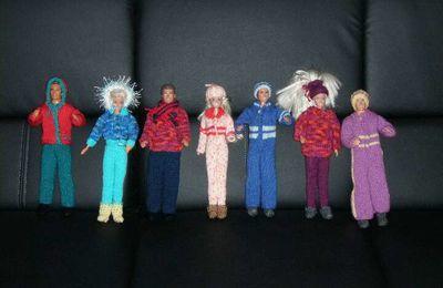 Préparatifs de vacances aux sports d'hiver de Barbie et Ken