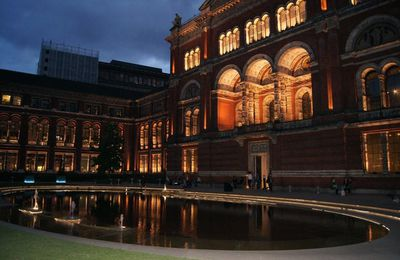 V&A Museum by night