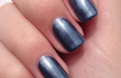 Sally Hansen Gun Metal