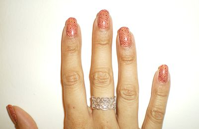 peachy keen china glaze + stamping plaque B XL black hole klean color