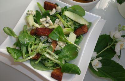 Salade fruitée au bleu