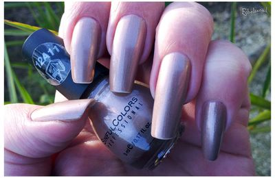Sinful Color-Flirting Nails