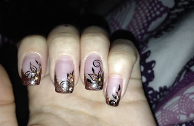Neues Nageldesign