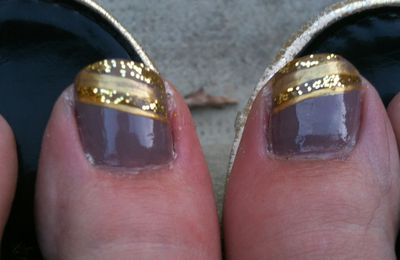 Gold on me feet....