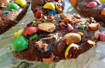 BROWNIES AUX M&MS