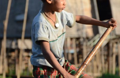 Une moitié de lady en Birmanie