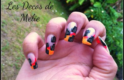 Nail art french neon et moderne