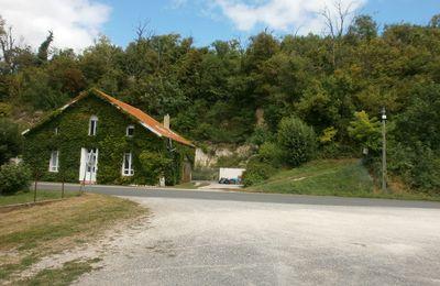 La petite maison de la route en corniche....