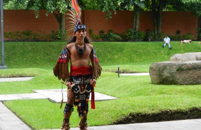 DANSE TRADITIONNELLE MAYA