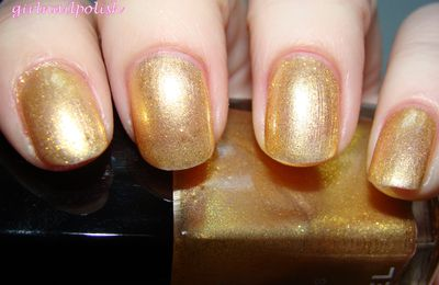 Chanel goldfingers