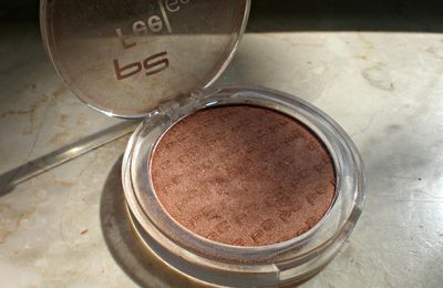 Review - Feel Good Mineral Compact Blush p2