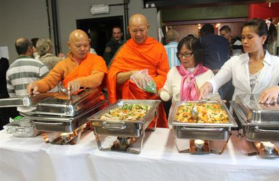 "Wat Thai Dhammaram to feed the less opportuned people at ""Le Resto"" Braine-l'Alleud"""
