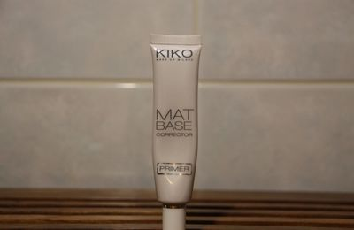 Revue - Mat Base Corrector, Primer par KIKO