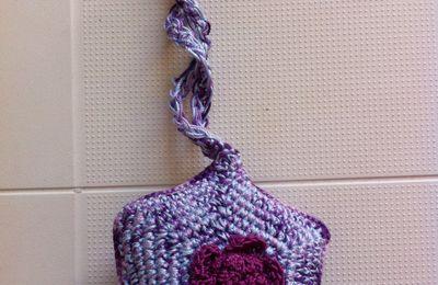 Coussin d'épingles au crochet ....