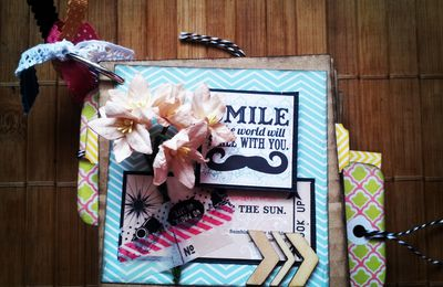 Mini album défi septembre sur Scrap & Co...