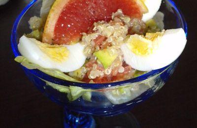 salade en verrine : avocat, pamplemousse, oeuf, au quinoa