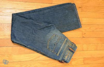 2. jeans DIESEL bootcut taille 25 (34 36) neufs!!!!