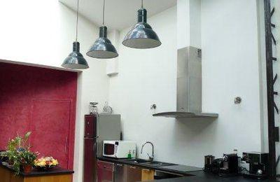 La cuisine du loft et le coin apéro