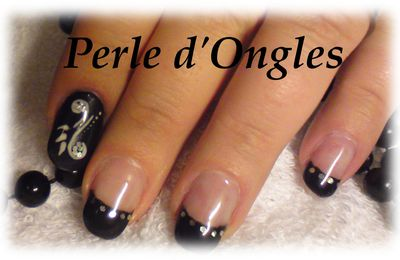 Nail Artiste du week-end : Laetitia 13/05/2012