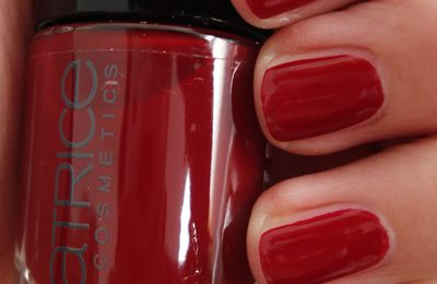 Catrice Ultimate Nail Lacquer 'Caught On The Red Carpet'