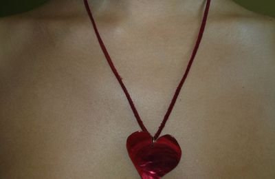 Collier coeur rouge (2 euros)