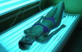 Melanoma, in Italia 20 diagnosi al giorno, sole e lampade sul banco degli imputati