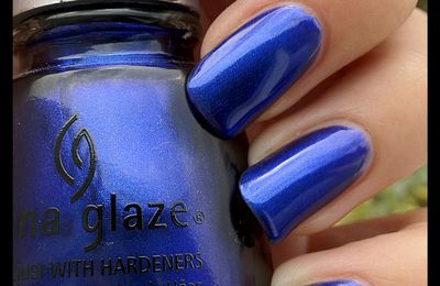 China glaze - Want my bawdy