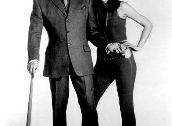 Mon look.....Like Emma Peel !!!