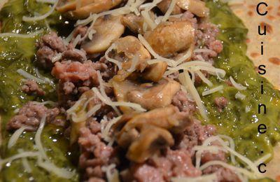 Galette de sarasin, au épinard, viande hâchée et champignon