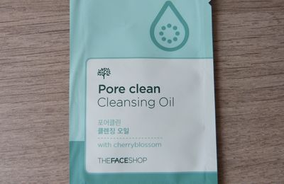 1mois 1échantillon: Pore Clean Cleansing Oil