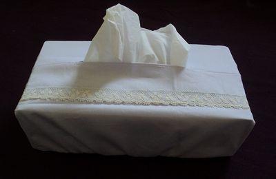 Une housse boite de mouchoirs