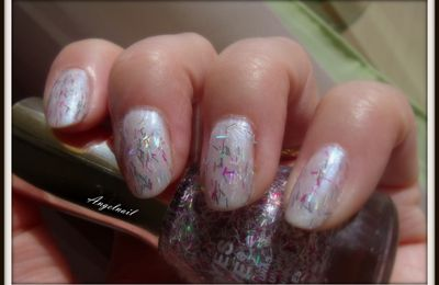 vernis effet plume Yes Love F8