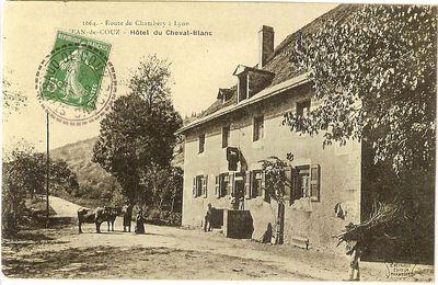 Le relais de poste de St Jean de Couz (Savoie) vers 1900