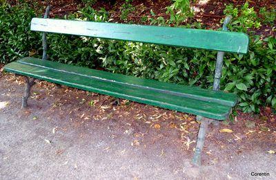 Des bancs au jardin Royal