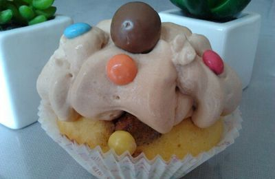 Cupcakes vanille maltesers / chantilly aux carambars