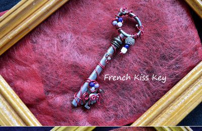Bronze, French Kiss, Happy